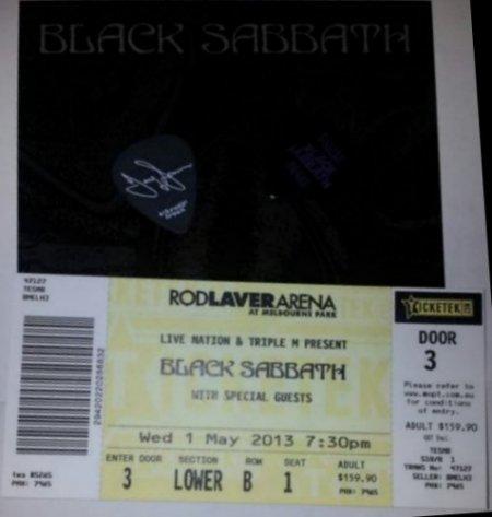 blacksabbath_livegatheredintheirmasses3